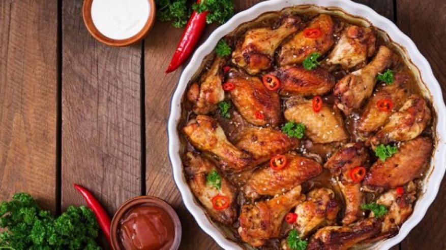 صوص اجنحة الدجاج الحارة