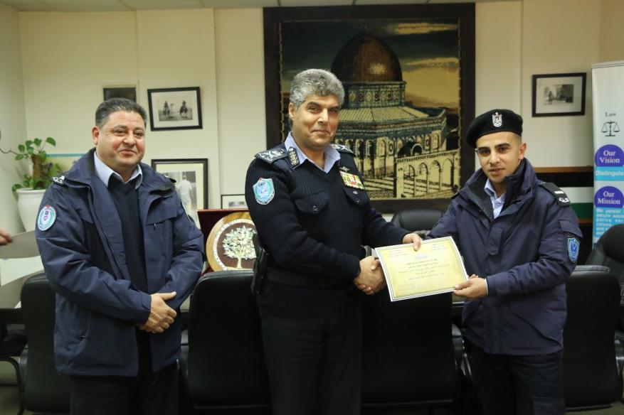 -- اللواء حازم عطا الله يكرم فروع إدارة الشرطة القضائية الحاصلين على أعلى نسبة انجاز