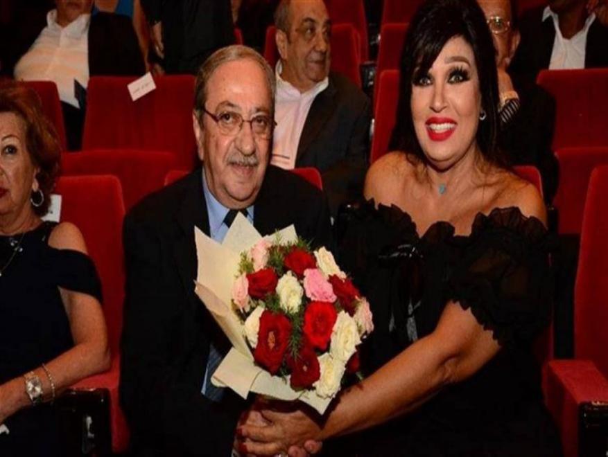 فيفي عبده تهدي دريد لحام باقة من الورود وتشعل مواقع التواصل