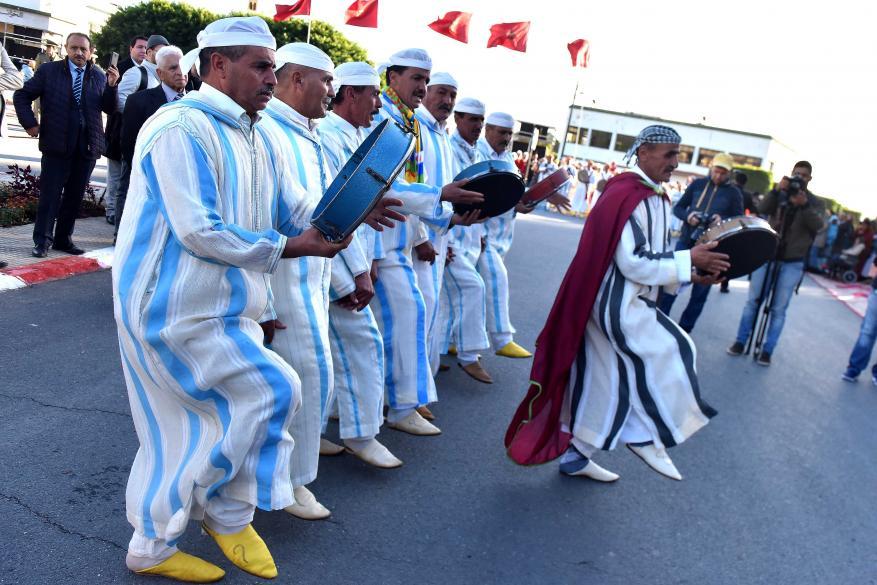 موكب الشموع.. هكذا تحتفل مدينة مغربية بذكرى مولد النبي منذ 5 قرون