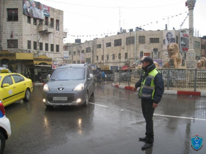 الشرطة تحذر المواطنين من خطر الانزلاق على الطرق