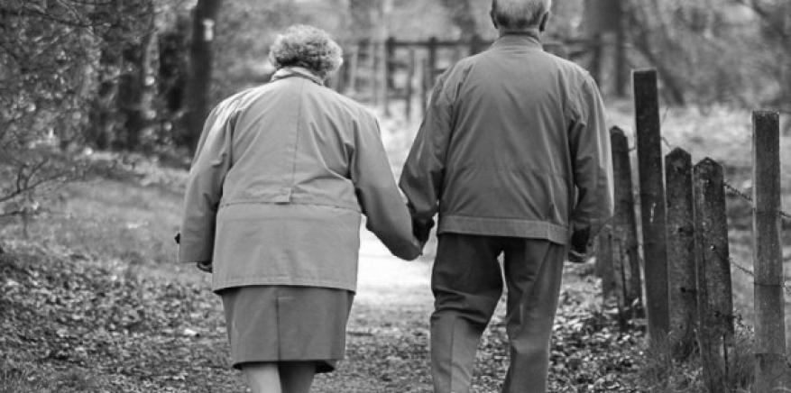 بعد 50 عامًا.. إسرائيلي يطلق زوجته بسبب الدهون