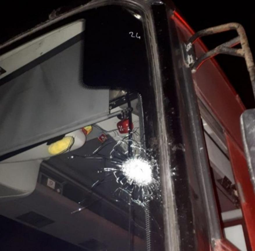 إصابة مستوطنيْن بجروح طفيفة بإطلاق نار استهدف حافلة قرب بيت إيل