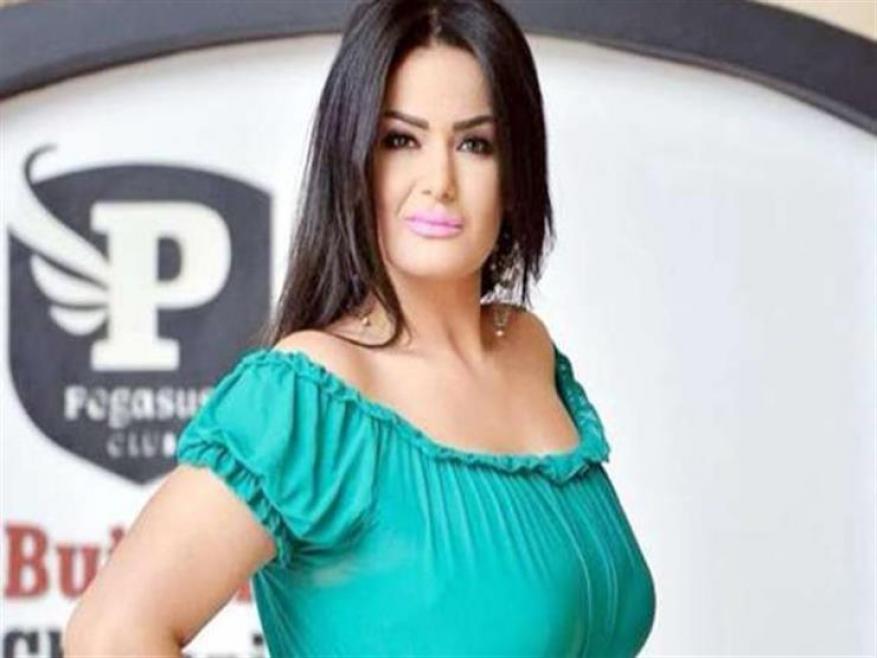 سما المصري تكشف حقيقة فيديو رقص شقيقتها بالمايوه: مش هرجع عن توبتي