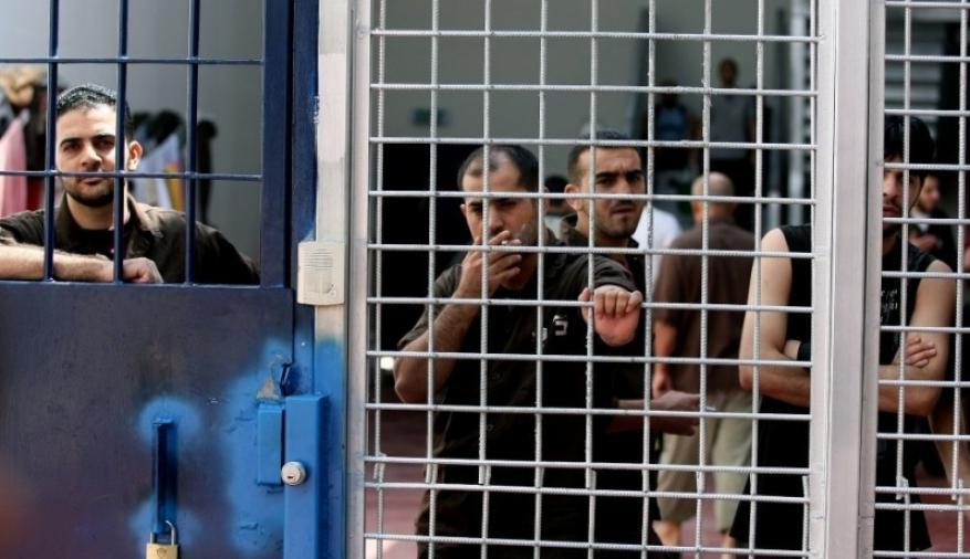 نظارات حكومة غزة.. نزلاء يشتكون والشرطة توضح!