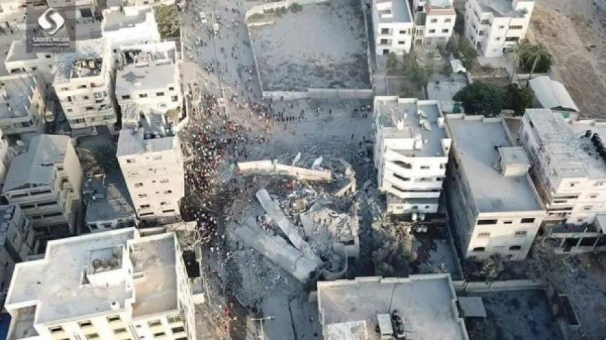 صور.. كيف أصبح مبنى مؤسسة سعيد المسحال بعد قصفه بعشرة صواريخ؟