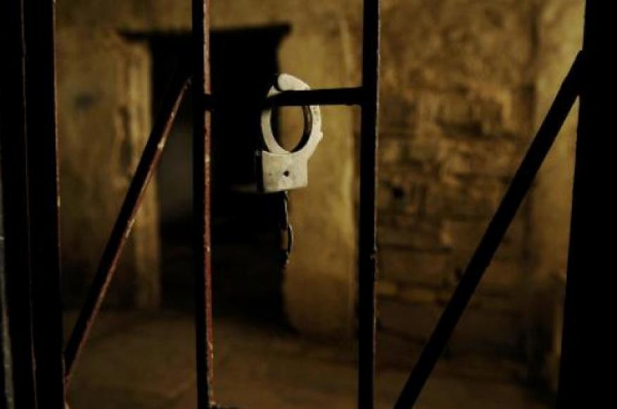 نادي الأسير: إدارة معتقل (الدامون) تفرض عقوبات جماعية على عدد من الأسيرات
