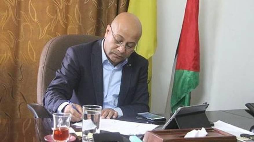 د. ابو هولي البدء بإزالة الانقاض من مخيم اليرموك رسالة واضحة بان منظمة التحرير لن تتخلى عن اللاجئين الفلسطينيين في سوريا