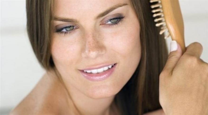 الفرشاة المتسخة سبب شعرك الدهني
