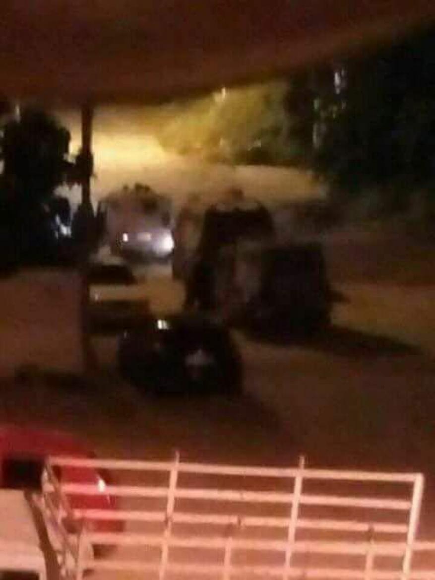 إصابة شاب بعيار متفجر خلال اقتحام الاحتلال لقبر يوسف (صور-فيديو)