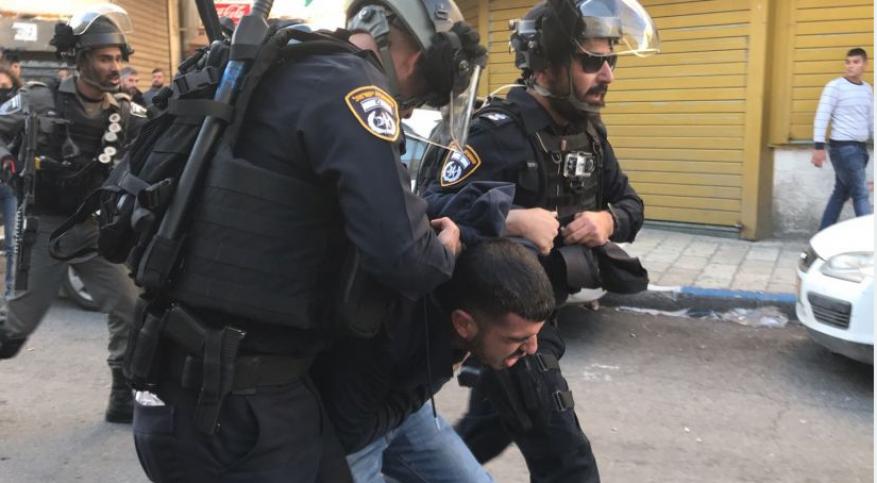 الاحتلال يعتقل ثلاثة شبان بالقدس المحتلة