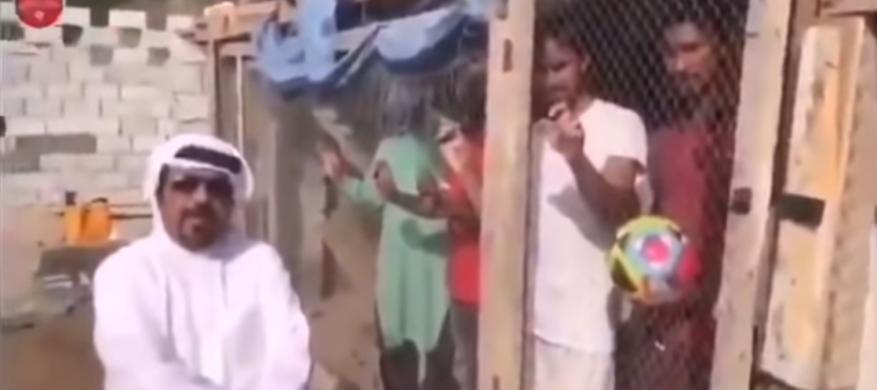 شاهد:إماراتي يحتجز مواطنين هنوداً في قفص للحيوانات.. والحكومة تتدخل
