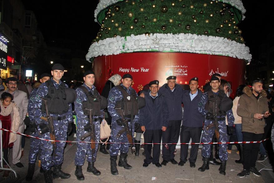 شجرة عيد الميلاد في رام الله (4)
