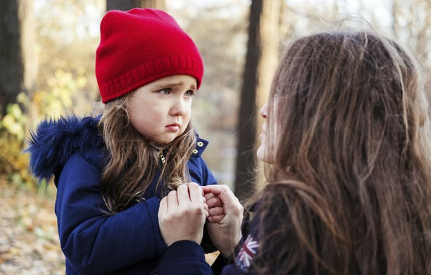 احذري.. هذه التصرفات تؤذي مشاعر طفلك
