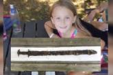 طفلة تعثر بالصدفة على سيف أثري عمره 14قرنًا