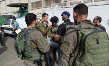 إصابة فلسطيني بجراح حرجة بحجة محاولته تنفيذ عملية طعن جنوب نابلس