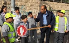 الشرطة تنظم يوم مروري وتشكل فرق السلامة في مدرسة الراهبات في اريحا