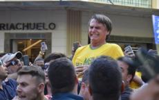 طعن مرشح رئاسي أمام الآلاف والكاميرات في البرازيل