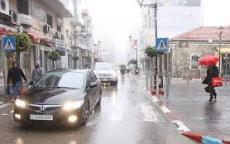 حالة الطقس: انخفاض على درجات الحرارة وسقوط زخات من الأمطار على مختلف المناطق