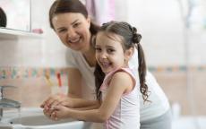 7 نصائح صحية للنجاة بطفلك من موسم الأنفلونزا