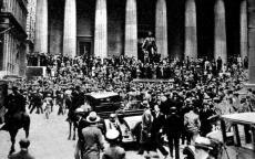 كيف استولت أميركا على ذهب مواطنيها خلال القرن الماضي؟