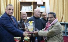 نادي خدمات المغازي يكُرم الصحفي زياد عوض