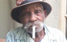 أكبر رجل في العالم سنا يريد الإقلاع عن التدخين