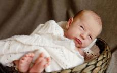 كيف أفهم طفلي حديث الولادة؟