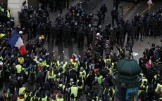 كيف قضى ماكرون يومه أثناء تظاهرات (السترات الصفراء) المحيطة بالإليزيه؟ ..وهذا ما يجهز له الرئيس الفرنسي الأيام المقبلة