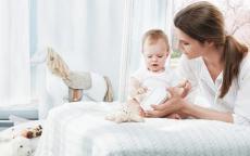 دراسة تؤكد خطورة المناديل المبللة على الأطفال!