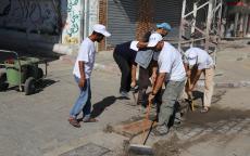 بلدية النصيرات تبدأ بتنظيف مصارف مياه الأمطار استعدادا للشتاء