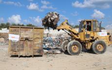بلدية النصيرات ترحل (10152) طن من النفايات خلال عام 2018م