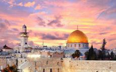 المطران حنا: فلسطين الأرض المقدسة هي أرض المحبة
