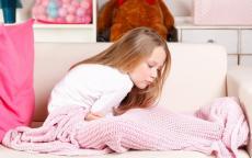 أسباب شعور طفلك بحرقة المعدة