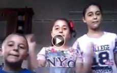 شاهد: رصد لحظة قصف إسرائيلي أثناء تصوير أطفال بغزة لفيديو اجتماعي