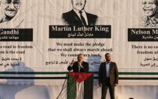 كان مشهداً مذهلاً حينما ظهر هنية أمام صورة لعمالقة المقاومة السلمية.. نيويورك تايمز: حماس نجحت في دمج نفسها بـ