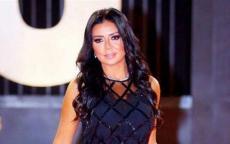 رانيا يوسف تثير ضجة جديدة بفستان