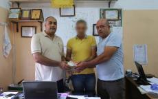 بلدية غزة تعثر على 100 ألف شيكل وتسلمها لصاحبها