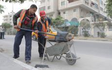 بلدية غزة تجمع وترحل 19 ألف طن من النفايات خلال يناير الماضي