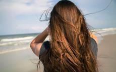 وصفات مجربة لعلاج قشرة الشعر