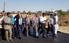 الوزير الحساينة يتفقد مشاريع الطرق والبنية التحتية في عبسان الجديدة شرق خانيونس