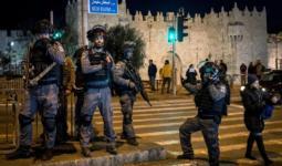 الاحتلال يقمع المصلين قرب باب العامود بالقدس