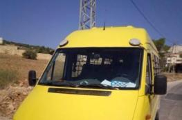 الشرطة تضبط مركبة مرخصة لحمولة (19) راكباً بداخلها (40) راكب في طوباس