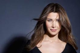 نانسي عجرم تثير الجدل بسبب تصرفها مع احدى المُعجبات.. هذا ما حصل (فيديو)