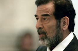 شاهد..صورة لرسالة نادرة كتبها صدام حسين بخط يده وهو في السجن