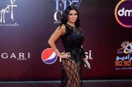 ارتدت فستانين مثيرين.. من هي الممثلة التي تخطت بجرأتها رانيا يوسف؟