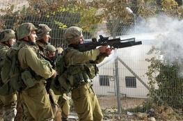 غاز الاحتلال يتسبب باختناق المرضى في مجمع فلسطين