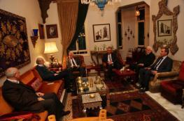 الأحمد وجنبلاط يؤكدان على ضرورة تعزيز وحدة الصف الفلسطيني وإنهاء الانقسام