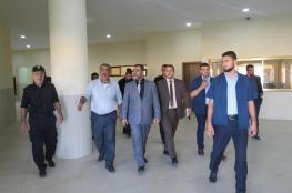 النائب العام يطمئن على سلامة الإجراءات القانونية والظروف المعيشية للنزلاء في سجن أصداء المركزي