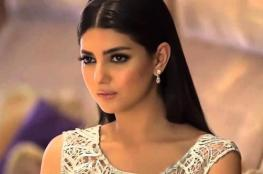 مريم سعيد تتألق بالزهري من مرمر حليم